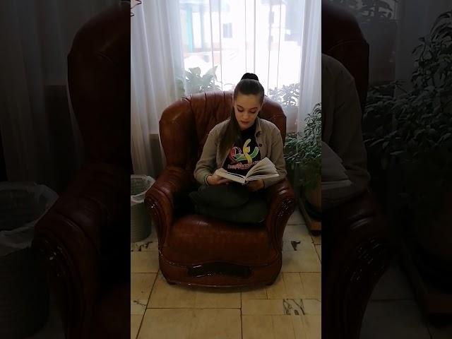 Певцова Ульяна читает произведение «Из окна» (Бунин Иван Алексеевич)