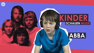 Kinder schauen ABBA | uDiscover Music thumbnail