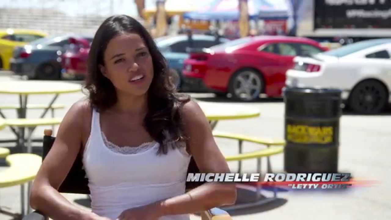Fast Furious 7 Featurette Letty Fight Met Michelle Rodriguez Youtube