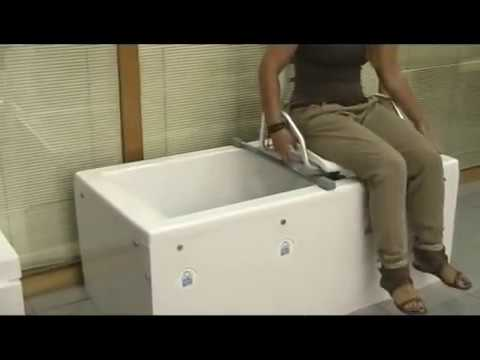 Silla higienica para ba era silla de ba o giratoria 360 for Sillas para orinar ancianos