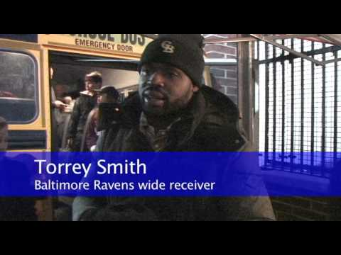 Torrey Smith stops by Colonial Beach Elementary School benefit