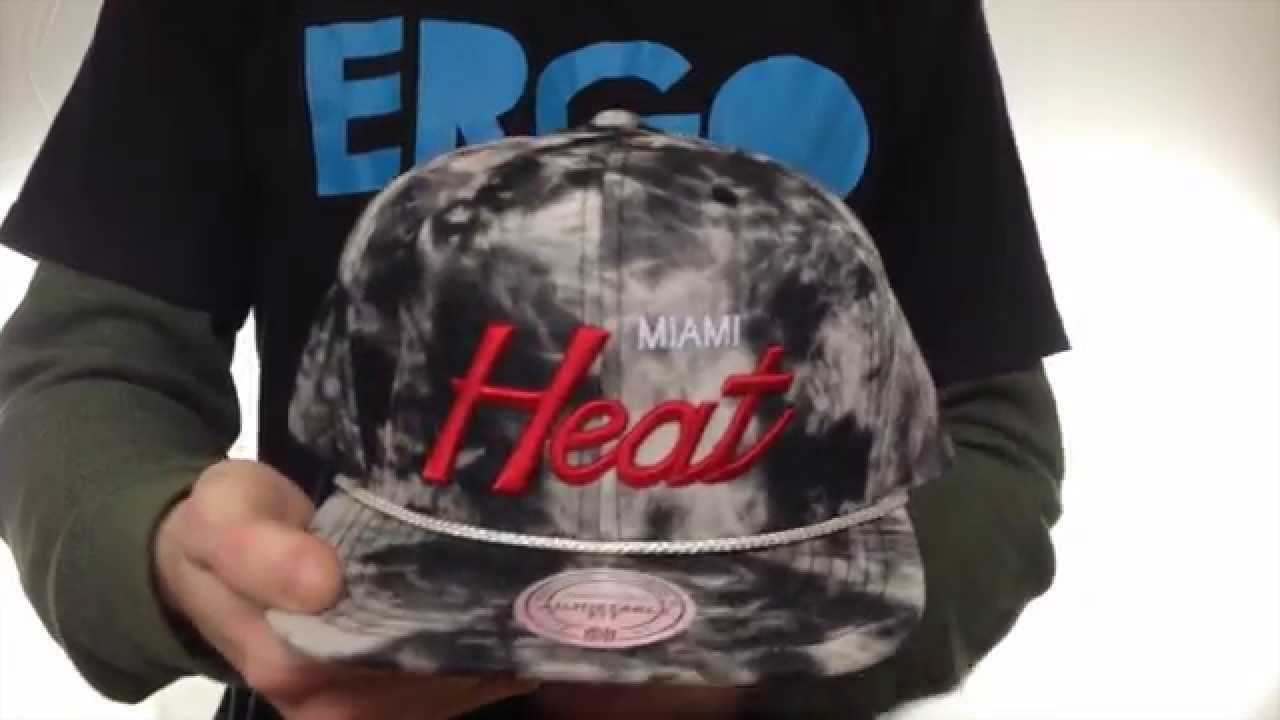 d12f49a648d Heat  ACID-WASH SNAPBACK  Black Hat by Mitchell   Ness - YouTube