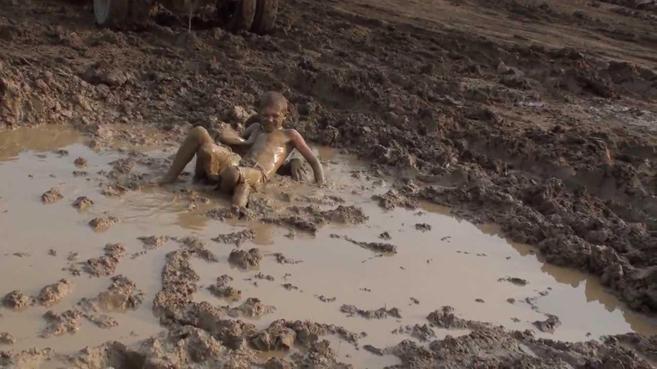 Видео конкурсов в грязи голые моему