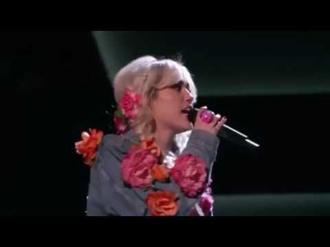 Miley Cyrus singing