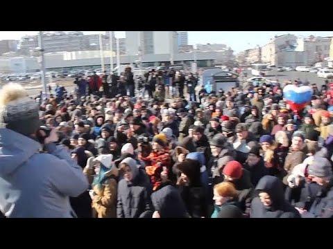Arrestato a Mosca Navalny. Manifestazioni contro la sua esclusione da presidenziali in Russia