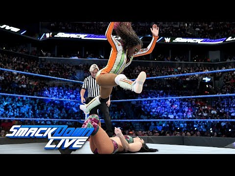 Naomi vs. Peyton Royce: SmackDown LIVE, Aug. 21, 2018