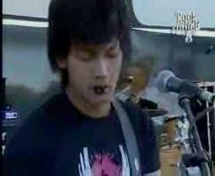 Free Download Garasi Band - Hilang Mp3 dan Mp4