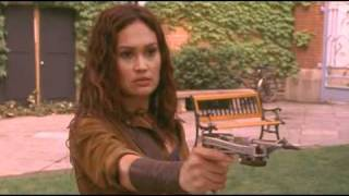 Repeat youtube video Sydney Fox (Tia Carrere) is fighting against a female secret agent