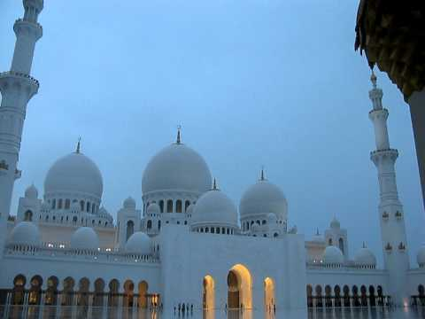 Abu-Dhabi -UAE, Money-Talks-Travel-Guide-Sheikh Zayed Mosque