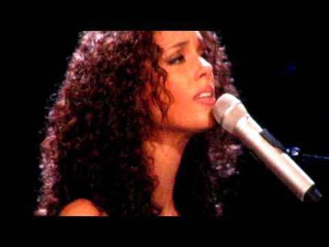 "Alicia Keys - ""Pray For Forgiveness"" Miami Concert"