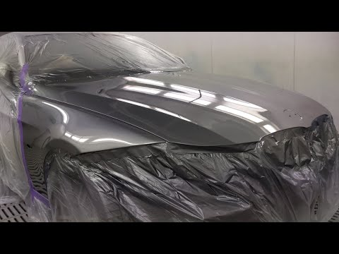 BMW 323i Spray Painting
