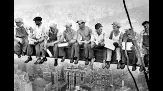 Существует еще одна фотография этих рабочих. Как они это делают?