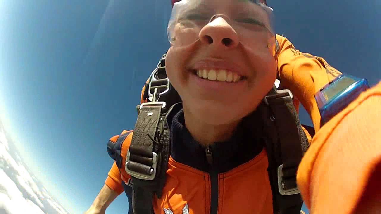 Salto de Paraqueda da Vitoria A na Queda Livre Paraquedismo 31 07 2016