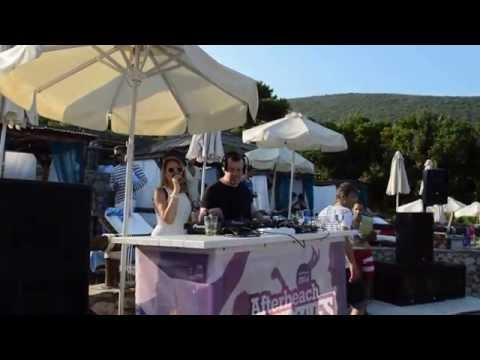 Full Intention feat. Mira - So confused LIVE on AfterBeach parties