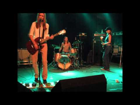 Juliana Hatfield - Learn to Fly (Foo Fighters Cover) music