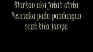 St12-Biarkan Aku Jatuh Cinta with lyrics(dengan lirik)