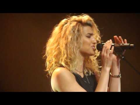 Tori Kelly - Hollow Live (Unbreakable Smile Tour Glasgow)