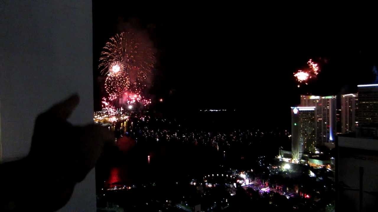 happy new year 2012 downtown miami countdownfireworks