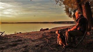 Рыбалка с Ночёвкой на НЕОБИТАЕМОМ Острове. Ловля на Закидушки.Обустройство лагеря и Быт.