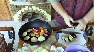 Готовим на даче. Пошаговый рецепт простого и вкусного блюда из мяса и овощей в казане на огне.