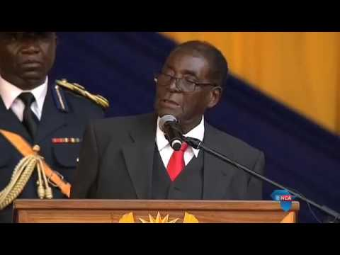 Mugabe speaks at the Fort Hare centenary celebrations