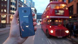 Samsung Galaxy S8 UNBOXING in einem Londoner Bus!
