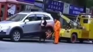 vuclip Ngakak !!! IBU2 ini Menarik Mobil Derek Dengan Mobilnya sendiri