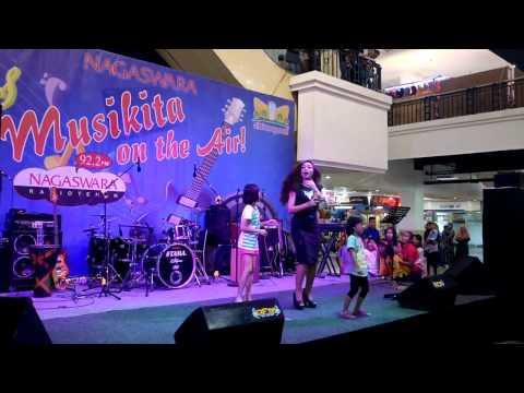 Monica Selvia Live Musikita Nagaswara FM Cibinong Mall