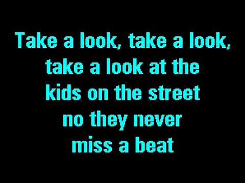 Karaoke: Kaiser Chiefs - The Never Miss A Beat