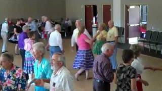 Canyon Lake (CA) Twirlers, Get your Banner Square Dance, Cliff Simpson calling.mp4