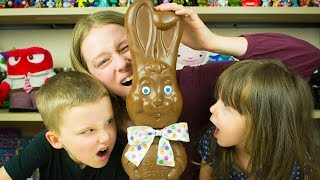 GIANT CHOCOLATE BUNNY EATING CHALLENGE! CAN KIDS EAT WORLD'S BIGGEST EASTER BUNNY? Kinder Playtime