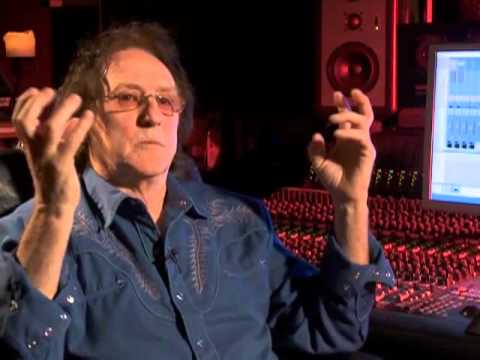 Denny Laine, Paul McCartney And Wings