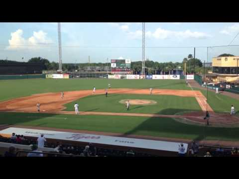 Tigers prospect OF Steven Moya walk-off HR