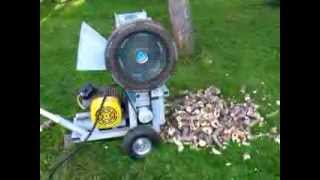 Repeat youtube video Štěpkovač na větve s elektrickým motorem