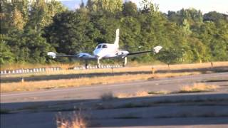 Cessna 340 Lands at Robertson Field