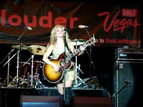 The Band Perry with Jim VanCleve - Hip to My Heart - Live on Freemont Street, Las Vegas.m4v