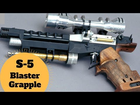 DOES THE NABOO GRAPPLE MAKE SENSE?  - S-5 Heavy Blaster Pistol - Star Wars Weapons Lore