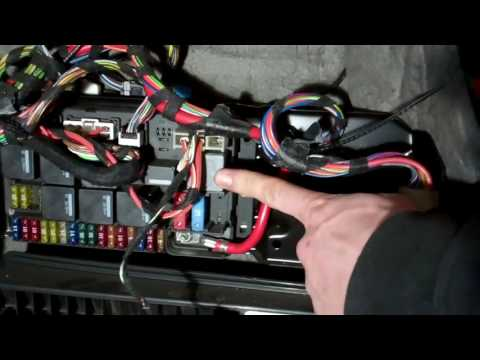 How to replace the relay on Range Rover L322 air suspension compressor