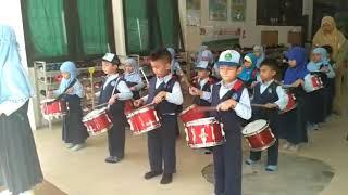 Drumband lagu Yamko Rambe Yamko