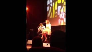 """Showcase de Tini en Francia !! Ella canta """"Te creo"""""""