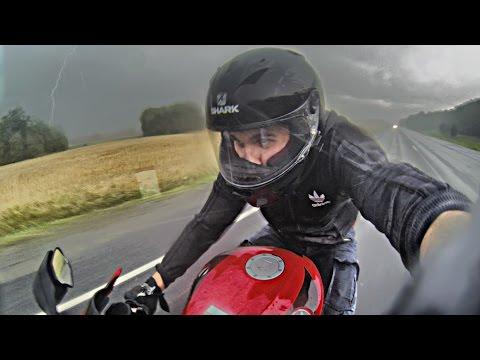 MOTO FAIL - Попал под ДОЖДЬ на мотоцикле
