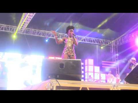 MzVee performs at Pulse concert