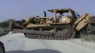 4 Axle Peterbilt Hauls D9G