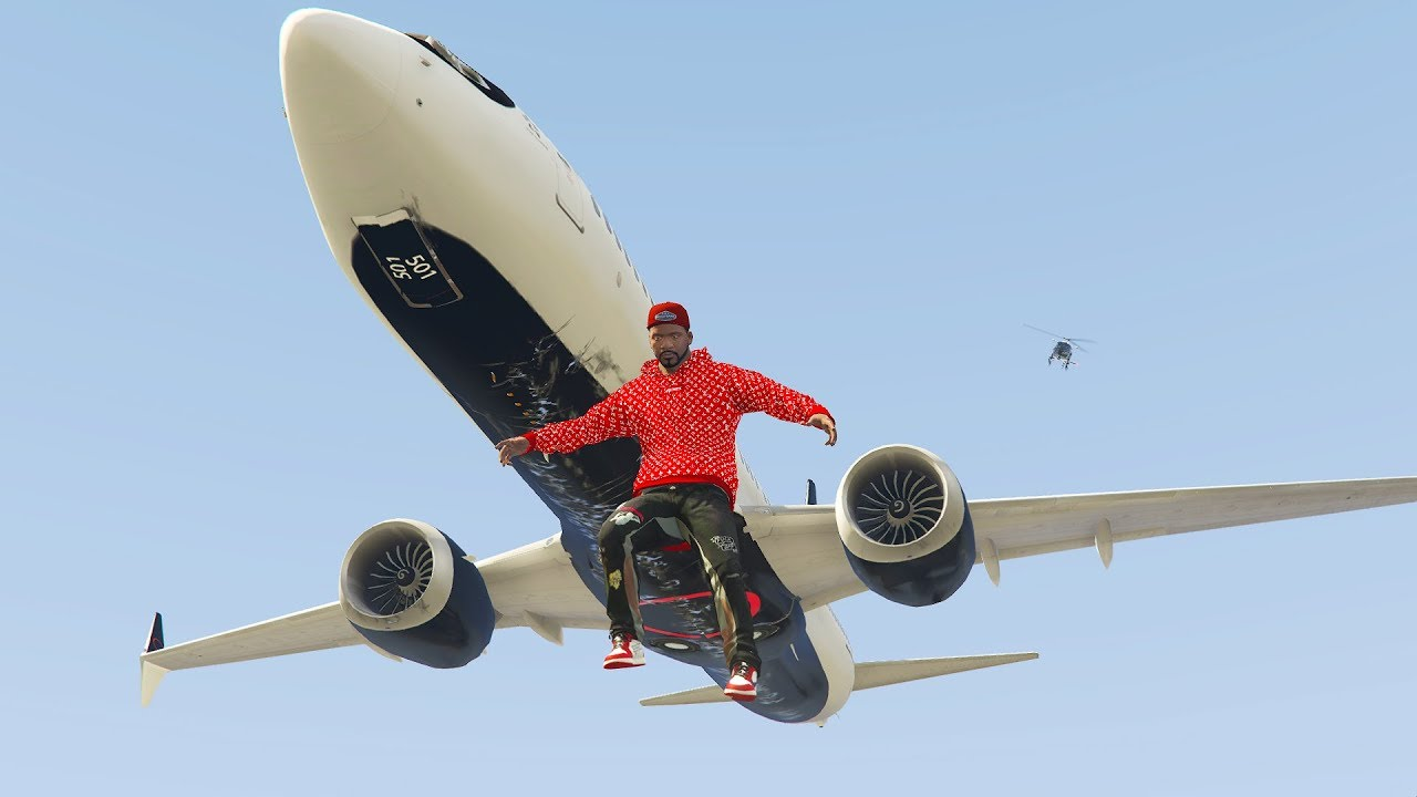 Passenger Jumps Out Of 737 Max During Crazy Emergency Landing | GTA 5