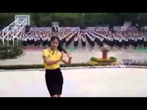 การแสดงเพลง ใกล้รุ่ง ของนักเรียนโรงเรียนสตรีราชินูทิศ สวยงามมาก