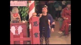2005年5月4日に青森県弘前市の弘前公園で行われる弘前さくらまつりで見...