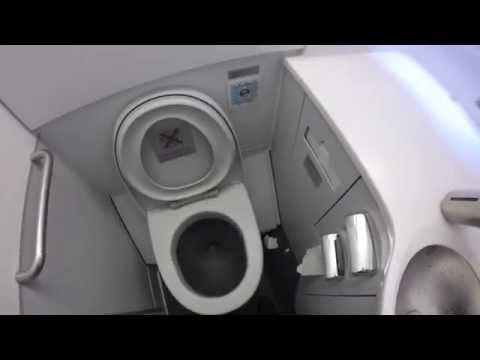 Wc Lufthansa Bathroom Airbus A340 600 Youtube