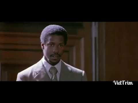 Why do you call yourselves white? Fragment uit Cry Freedom - 1987 Denzel Washington als Steve Biko