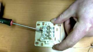 Raccordement d'un conjoncteur téléphonique