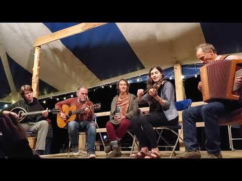 Land O' The Leal - Liz Faiella, Mia Bertelli, Jeremiah McLane, David Surette, & Anders Larson